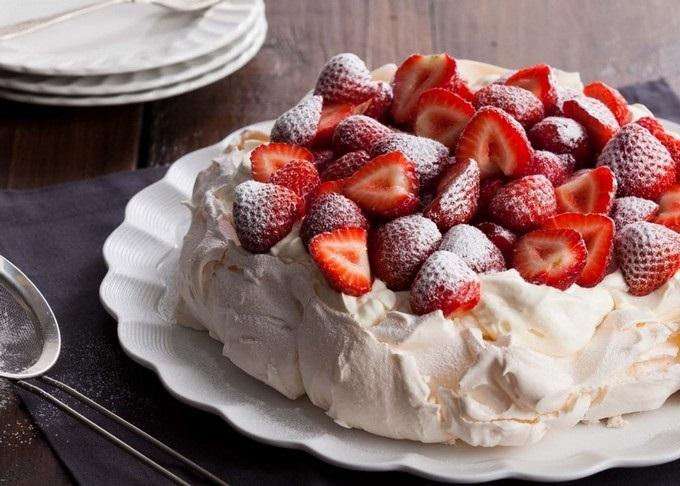 Пошаговое руководство приготовления десерта Павловой