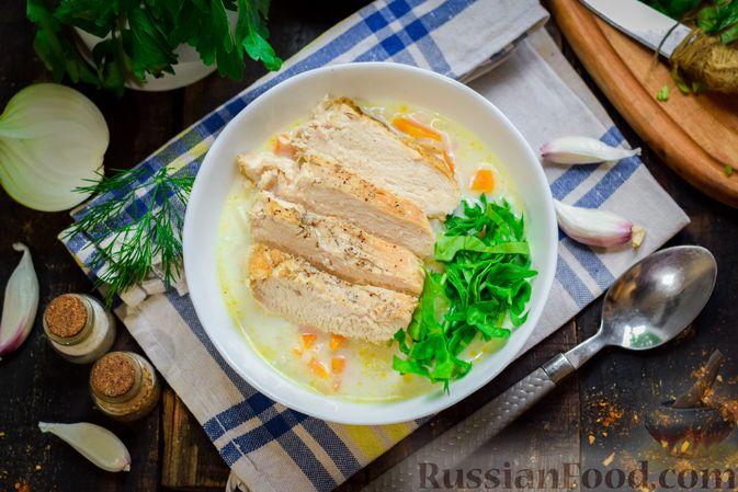 Рисовый суп со сливками, куриным филе и шпинатом