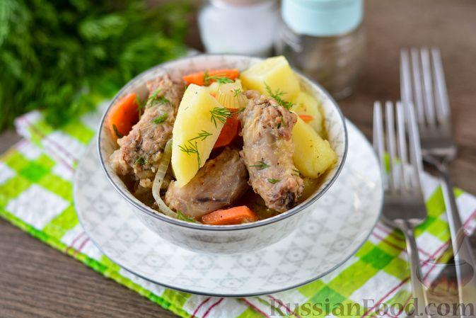 Картошка, тушенная с куриными шейками