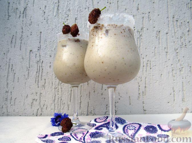 Молочный коктейль с шелковицей