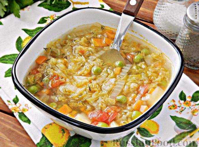 Овощной суп из пекинской капусты со свежим горошком