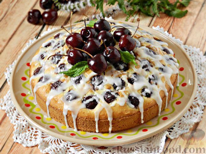 Пирог с черешней и лимонной глазурью
