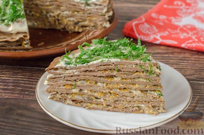 Печёночный торт с яблоком и грибной начинкой