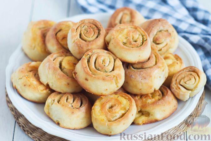 Творожные булочки с чесноком и сыром
