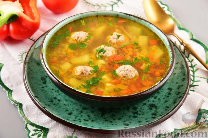 Гречневый суп с фрикадельками и овощами