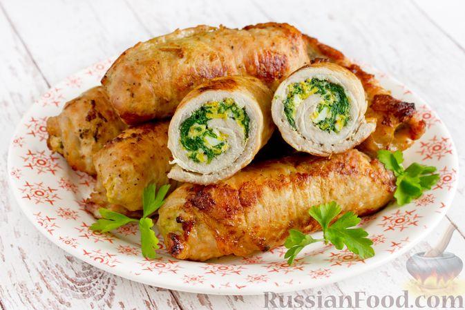 Рулетики из свинины со шпинатом и яйцами