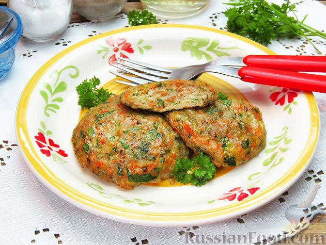 Рыбные котлеты с морковью и зеленью, запечённые в духовке
