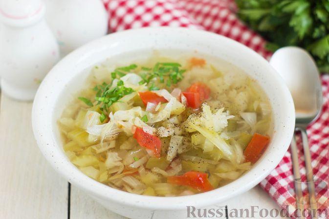 Суп с капустой, сельдереем, сладким перцем и помидором