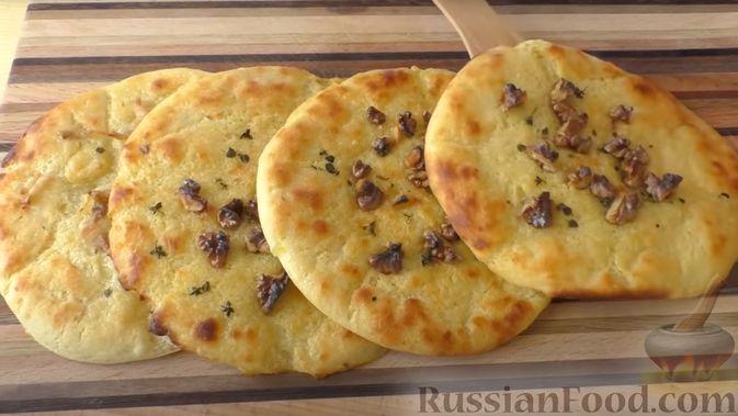 Картофельные лепёшки с грецкими орехами и беконом