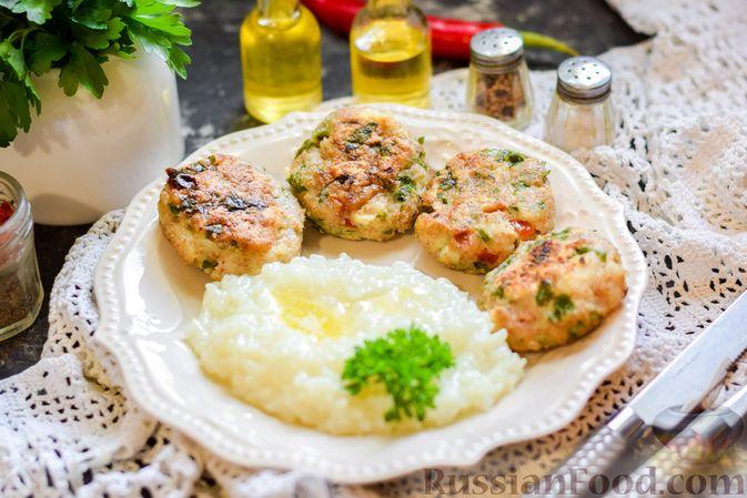 Рыбные биточки с мятой, петрушкой и перцем чили
