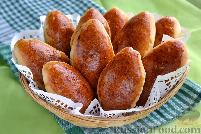 Дрожжевые пирожки с мясным фаршем и зелёным луком