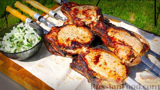 Шашлык из свиной корейки на кости, по-армянски
