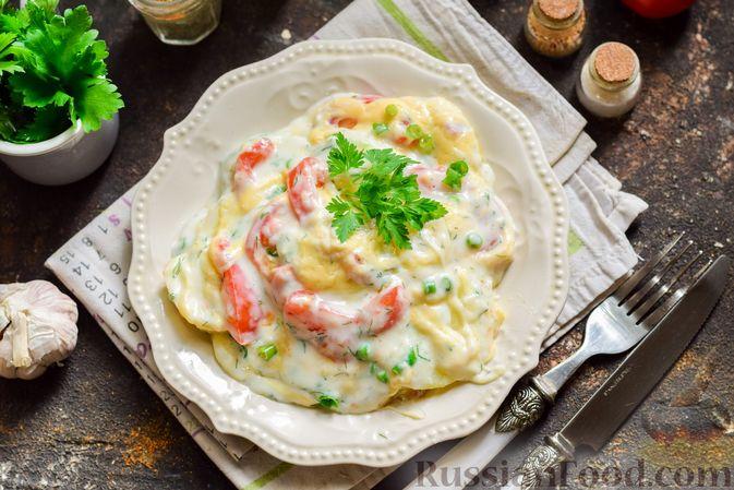 Кабачки, запечённые с молодой картошкой и помидорами, в соусе бешамель