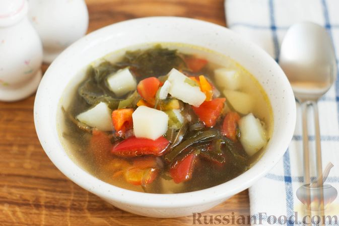 Суп с морской капустой и помидорами