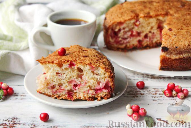 Пирог с брусникой и миндалём, на растительном масле и молоке