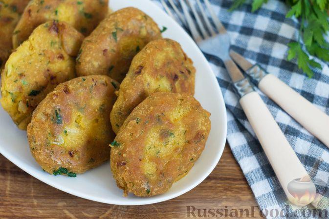 Постные кукурузные лепёшки с жареным луком и зеленью (на сковороде)