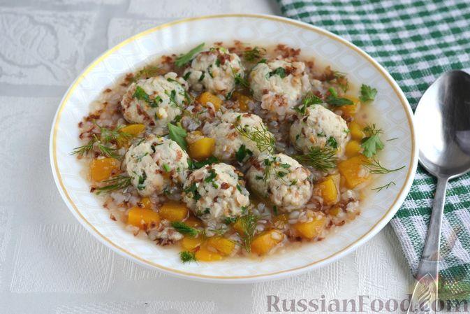 Гречневый суп с тыквой и рыбными фрикадельками