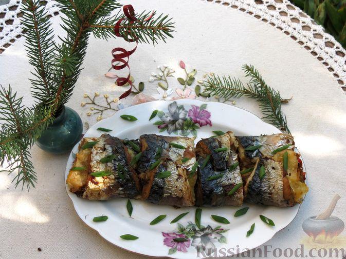 Рулеты из скумбрии с болгарским перцем, морковью и сыром