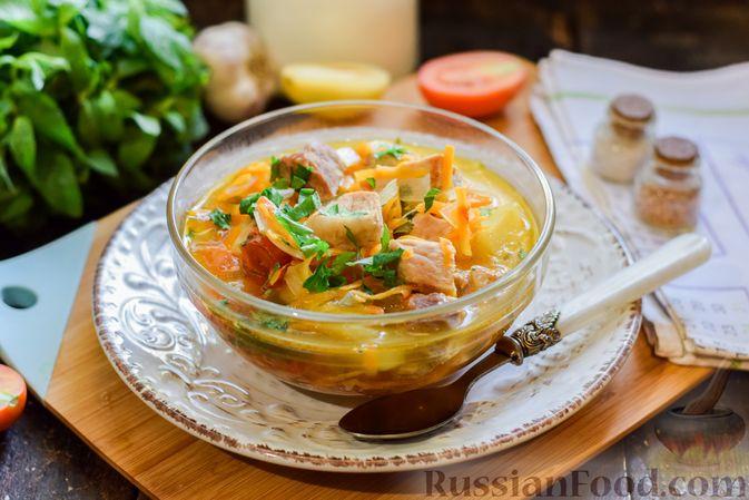 Суп с жареной свининой и помидорами