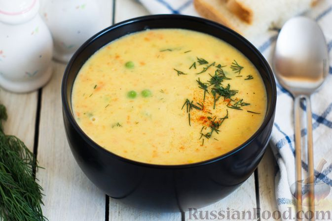 Гороховый суп-пюре со сливками и плавленым сыром