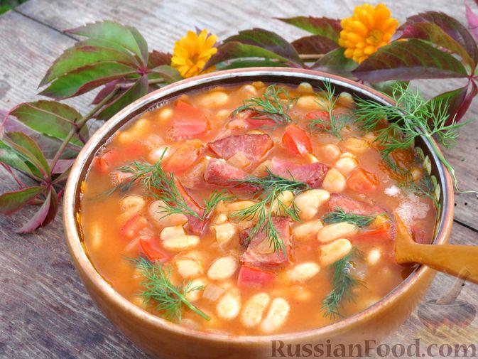 Фасоль с ветчиной, в томатном соусе