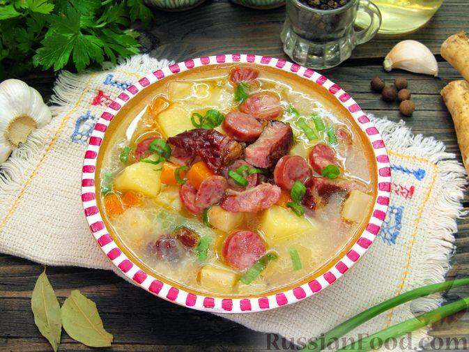 Суп с копченостями, корнем сельдерея и сметаной