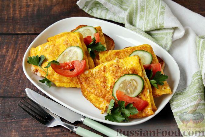 Бутерброды с яичными блинчиками, ветчиной и сыром