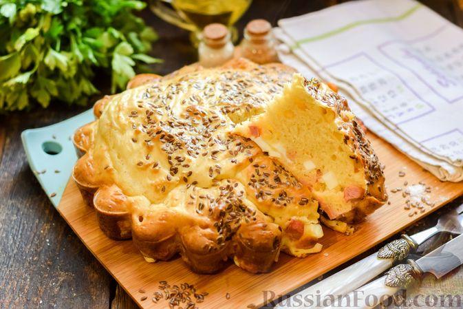Заливной пирог с колбасой, сыром и яйцами