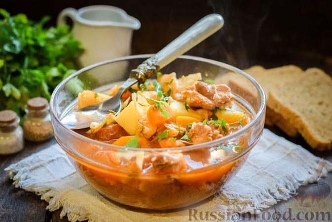 Щи из свежей капусты со свининой и помидорами