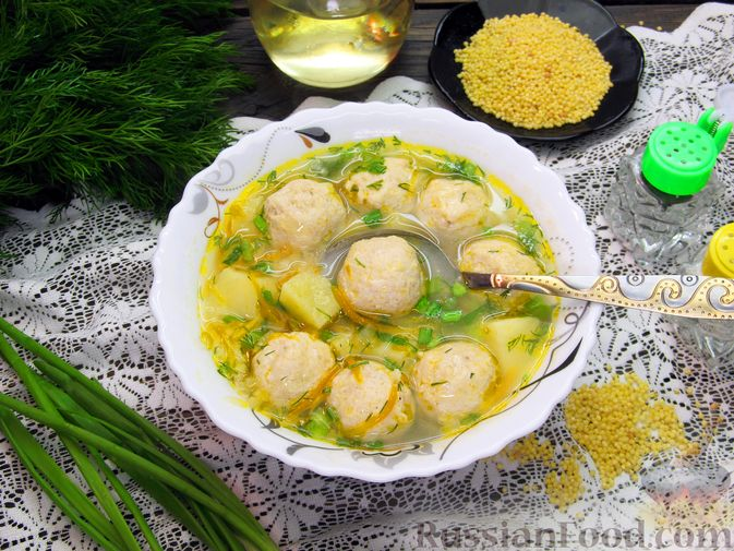 Суп с куриными фрикадельками и пшеном
