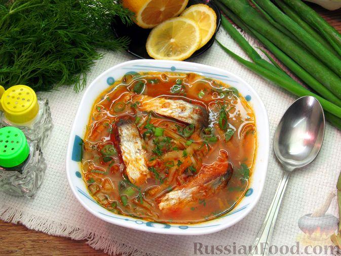 Щи с консервированной рыбой и томатной пастой