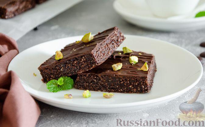 Шоколадно-ореховый десерт с финиками и кокосовой стружкой (брауни без выпечки)