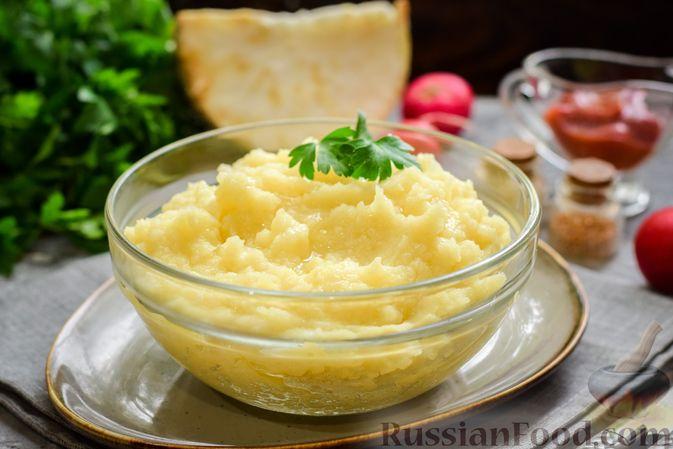 Картофельное пюре с корневым сельдереем и луком
