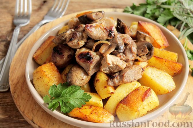 Запечённая свинина с картофелем и грибами (в рукаве)