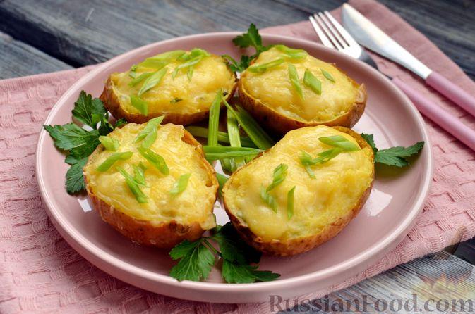 Картофель, фаршированный сыром, сметаной и беконом