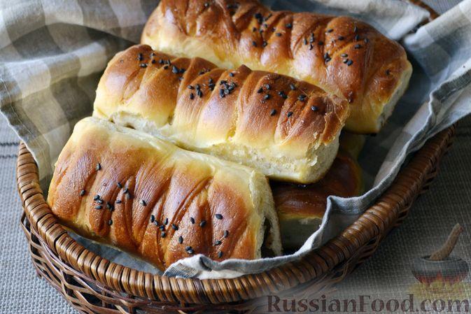 Дрожжевые пирожки-плетёнки на молоке, с мясным фаршем