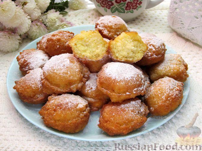 Творожные пончики с кокосовой стружкой