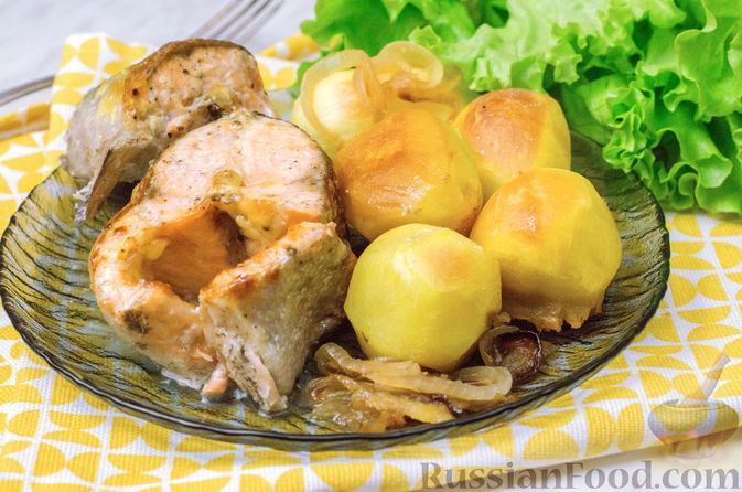 Форель, запечённая с картофелем