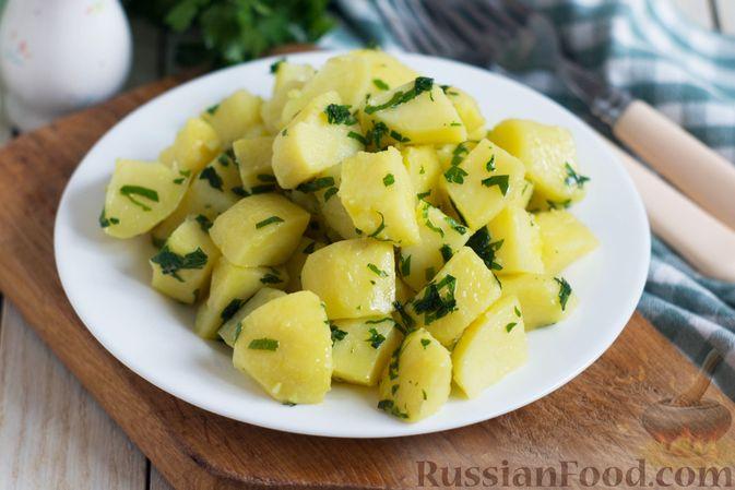 Отварной картофель с петрушкой