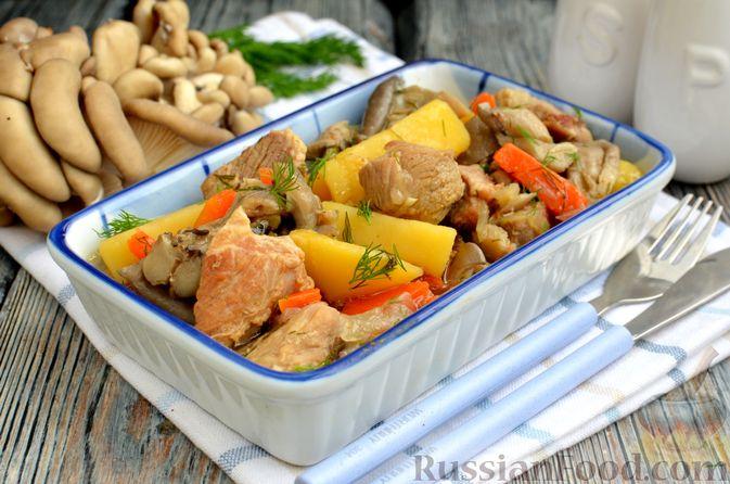 Картошка, тушенная с мясом и вёшенками