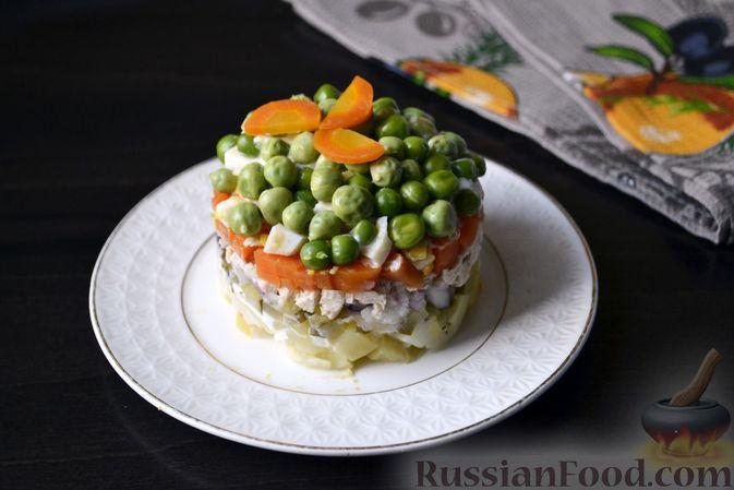 """Слоёный салат """"Оливье"""" с курицей"""