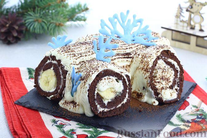 Шоколадный бисквитный рулет c бананами и кремом из сливочного сыра