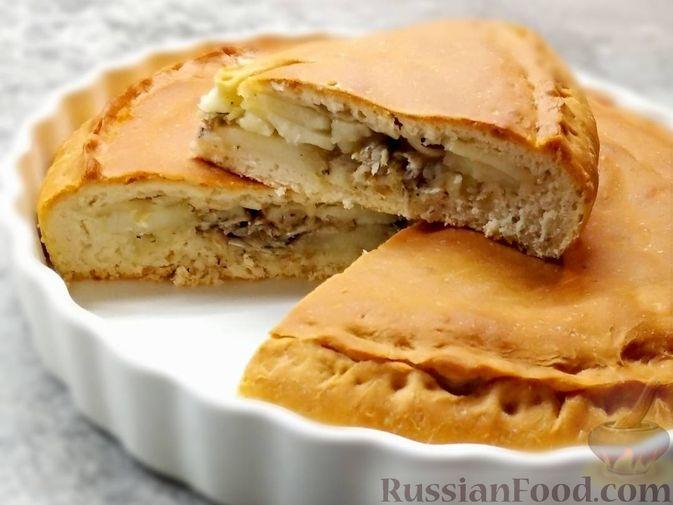 Пирог с мойвой и картофелем
