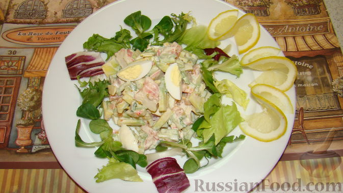 Салат из крабовых палочек и авокадо