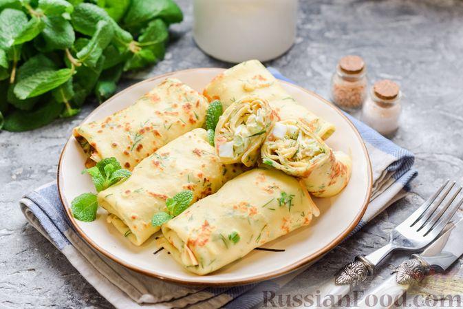 Картофельные блинчики с яйцами и солёной рыбой